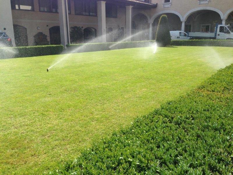 Irrigare il prato in estate quando e for Quando concimare il prato