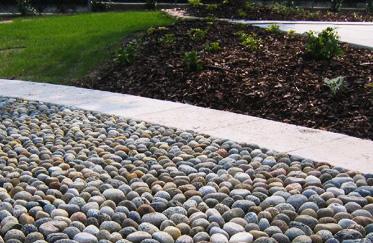Pavimentazione in giardino personalizzazione e comodita - Camminamento pietra giardino ...